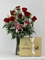 Prestige Roses Vased with Chocolates